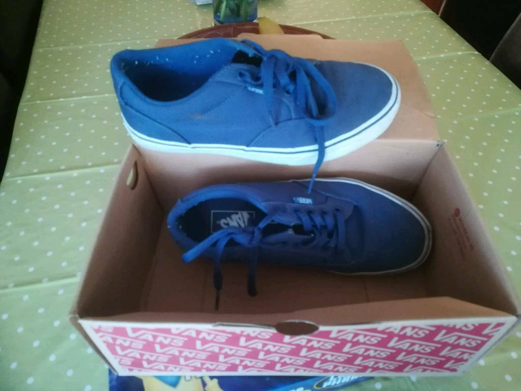 2bb105e6cf2402 Vans size 7 boys canvas shoes