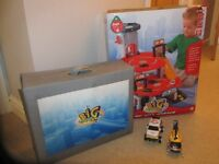 ELC BIG CITY GARAGE AND CARRY ALONG CITY - GREAT CONDITION - BOXED PLUS ELC HELICOPTER & POLICE CAR