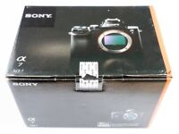 Sony Alpha A7 (ILCE-7) 24MP Mirrorless full-frame camera