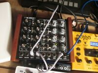 Doepfer Dark Energy - Analogue Semimodular Monosynth - synth - synthesizer