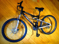 "Apollo FS26s Mountain Bike / Full Suspension / Disk Breaks / 17"" Frame"