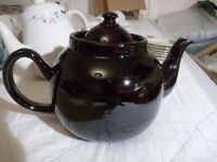 very large shiny brown teapot - 10 cup