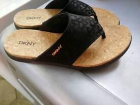 Dkny Cork flip-flops size 4