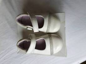 Girls Clark's shoes size 4.5G