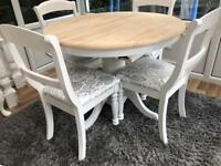 Lovely Extending Shabby Chic Oak Table and 4 Chairs