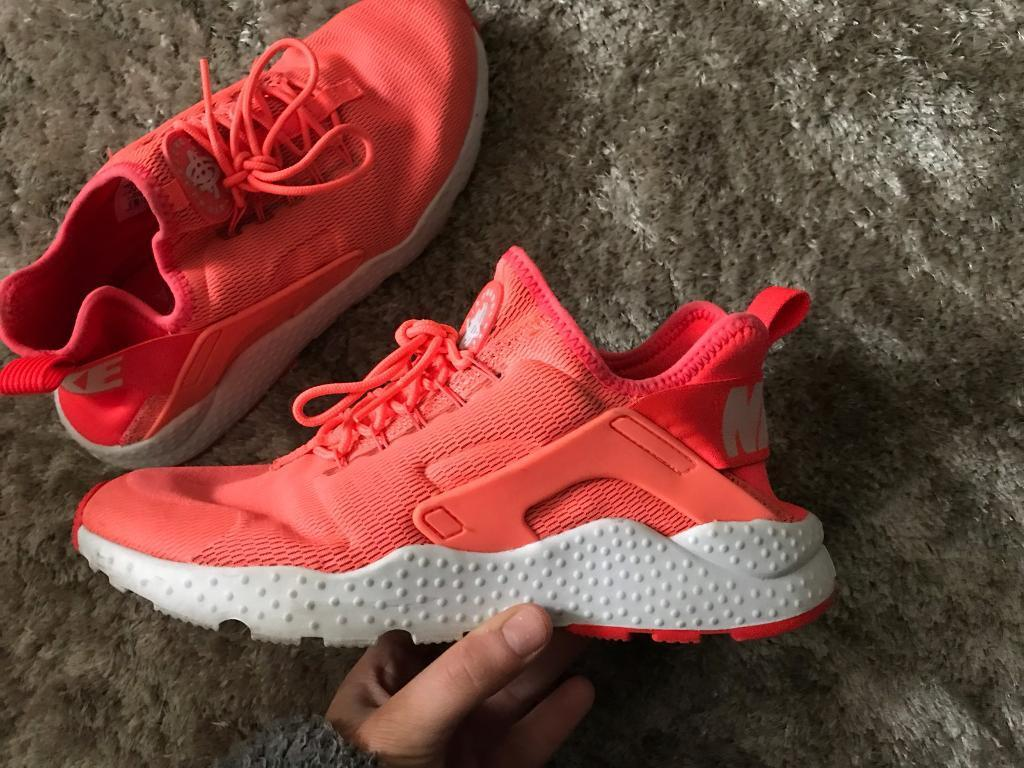 Women s Nike Huaraches For Sale - Size 6.5  ce0754629