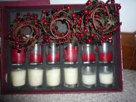 ❀ڿڰۣ❀ TORC Collection of 8 FESTIVE CHRISTMAS Votive CANDLES & BERRY WREATHS ❀