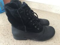 Black leather and suede boots size 4