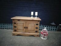CORONA PINE TV STAND CABINET VERY STURDY UNIT IN EXCELLENT CONDITION 85/43/56 cm £50