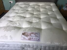King size 2000 pocket spring mattress FIRM VGC like new