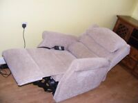 CAN DELIVER - ELECTRIC MOBILITY RISE RECLINER CHAIR IN PERFECT CONDITION - COST £1200 2 YEARS AGO