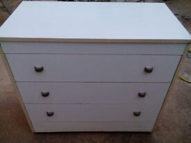 White chest of drawers, 3 drawer