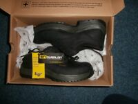 Dr Martens new in box size 6 black safety boots - unisex