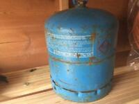 Camping gas 907 with some gas and control valve save on surcharge £12