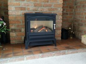 ESSE 200 GAS FIRED STOVE, MINT CONDITION. 4.7KW. LARGE WINDOW. 603 X 633 X 343mm