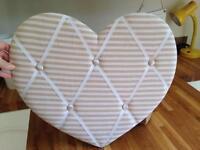 Padded Heart Shape Memo Photo Pin Board