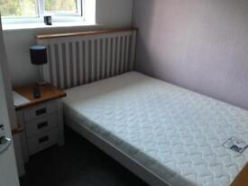 Lovely Double Room - £450pcm (all bills included, great transport links!)