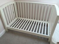 Mamas and Papas white cot/cotbed with Matress. Very Good condition