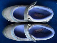 Ladies MBT shoes/trainers