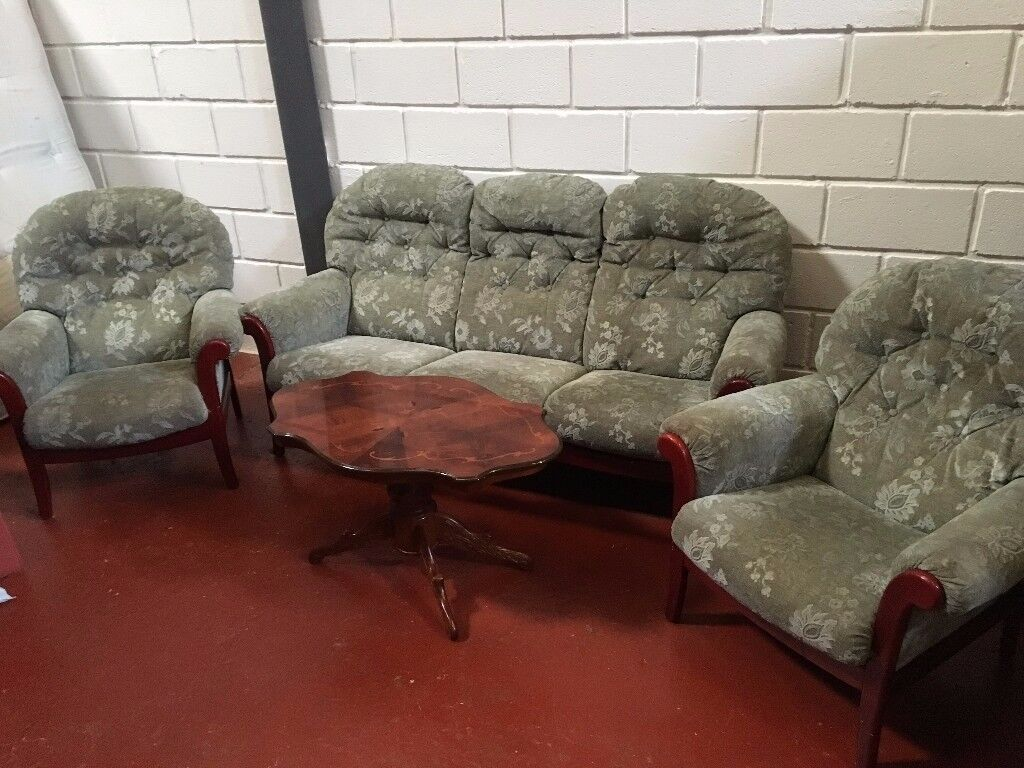 THREE PIECE SUITE FREE DELIVERY IN LIVERPOOL