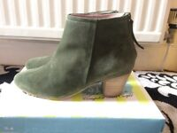Boots (brand new) size 6