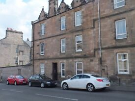 Fully Furnished and Spacious Flat for Rent in popular Craigie area of Perth