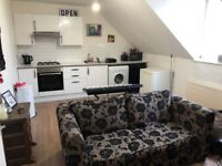 LARGE one bedroom flat on POWIS ROAD *CLOSE TO CHURCHILL SQUARE & THE BEACH*