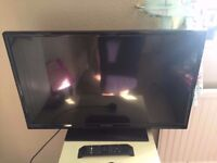 """32"""" TECWOOD LED TV ONLY 1 YEAR OLD"""