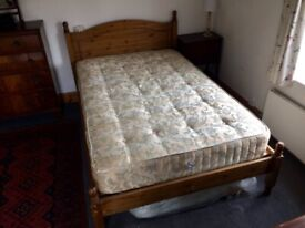 Small double bed (4ft)