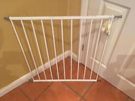 Child gate - BabyDan frameless no trip £10ono
