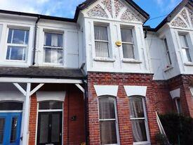 Spacious 2 bedroom garden flat in Harrow Rd, West Worthing for rent