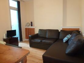 Modern 3 BEDROOM Student House, Merthyr Street, Cathays. Available 1st JULY 2017. £300 each PCM