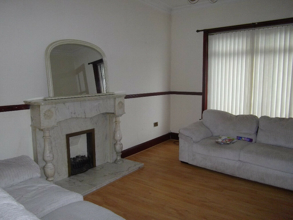 2 Bed Property to Let in Airdrie.