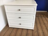 Quick sale bedside cabinets and chest drawers