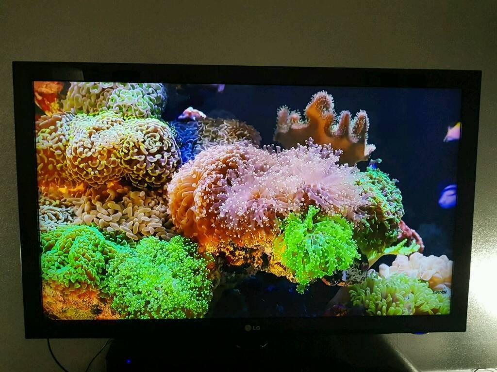LG 47in Full HD TV