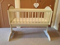 Wooden rocking cot/crib