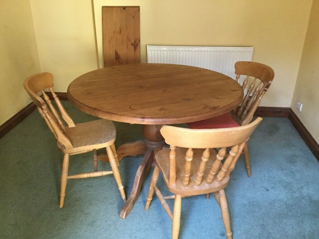 Round Pine Table Good Condition Expands To Oval And Seat 8