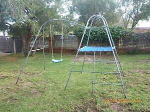 Tp Climbing Frame and Swing Set Beaconsfield Fremantle Area Preview