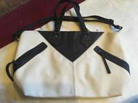 CASA DI ROSA ladies shoulder big bag beige black leather used £5