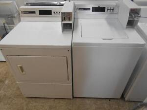 ENSEMBLE LAVEUSE & SECHEUSE COMMERCIAL / SET COMMERCIAL WASHER & DRYER