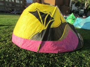 Best Kahoona Kiteboarding kite 11.5m with control bar included!