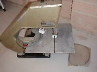 Bandsaw with spare blade
