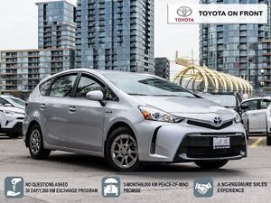 2015 Toyota Prius v Navigation and leather
