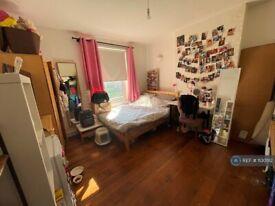 1 bedroom in Brigstock House, London, SE5 (#1130512)