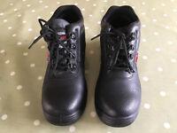 Boots steel cap