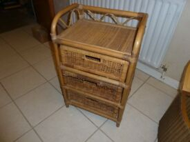 Wicker chest of 3 drawers