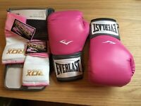 8oz Everlast Pink Boxing gloves