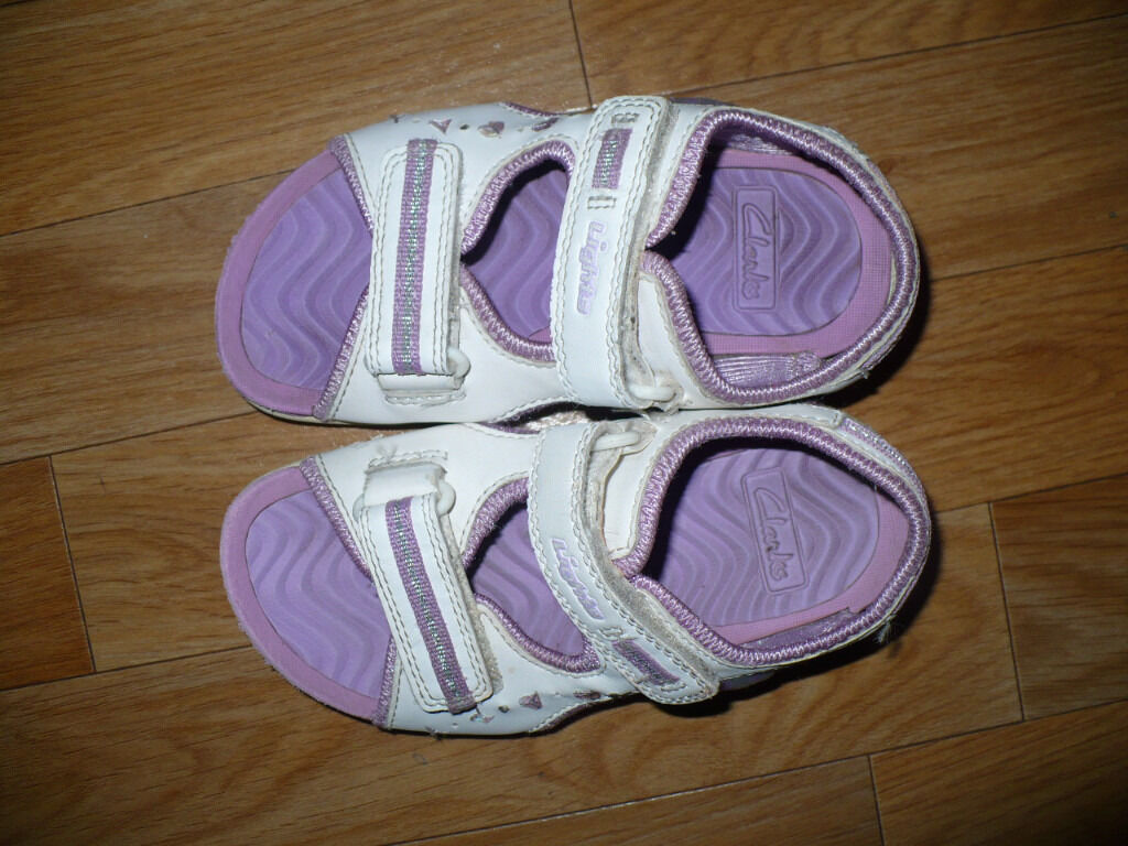 46876923564 3x Clarks Purple Girls Light Up Sandals