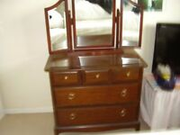 Stag Minstrel chest of drawers in good condition mahogany (inc mirror) 82cmW x 71cm H x 46.5cm D