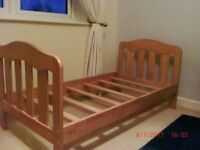 Pine Toddler Bed - Great Condtion
